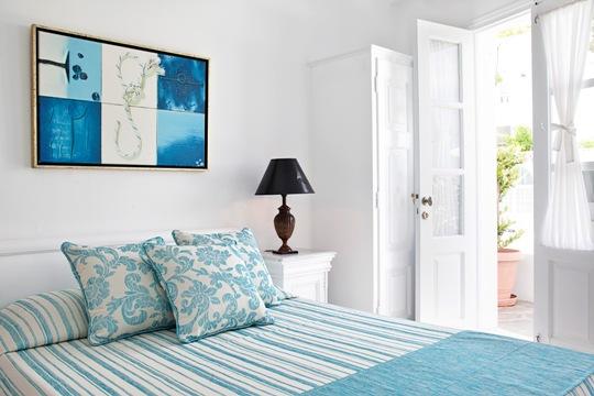Santorini_Accommodation