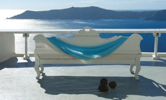 Honeymoon vacations in Santorini