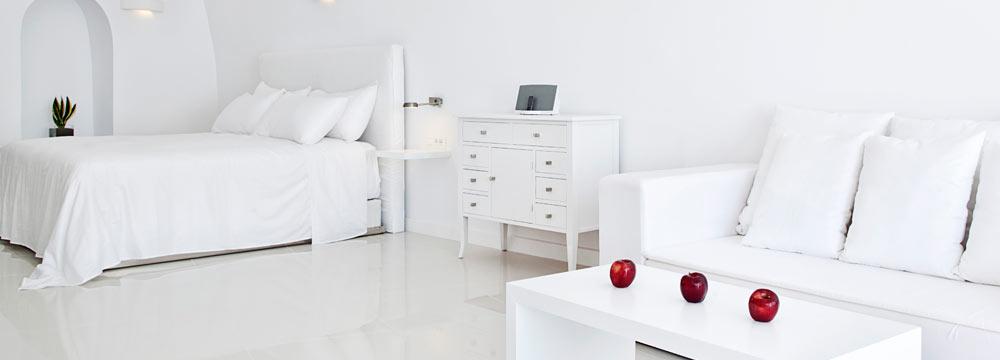 Chromata Hotel honeymoon suite